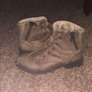 Shoes - Fleece lined booties!